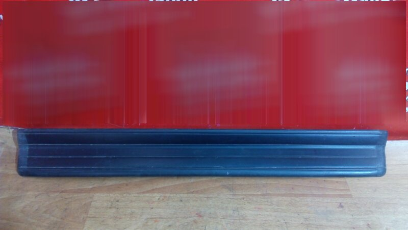 Накладка пластиковая в салон Bmw 318I E46 передняя правая на порог, под дверь