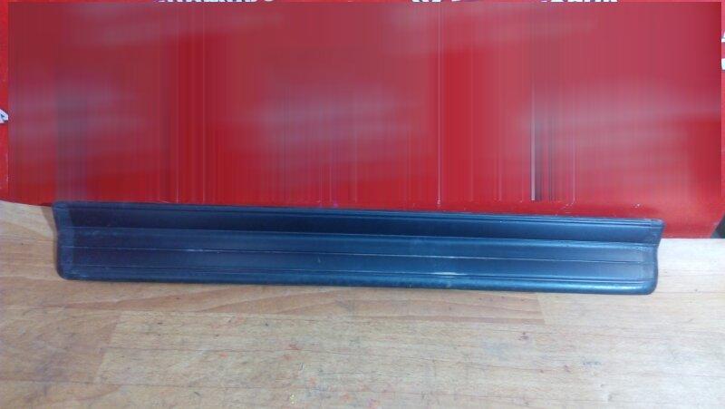 Накладка пластиковая в салон Bmw 318I E46 передняя левая на порог, под дверь