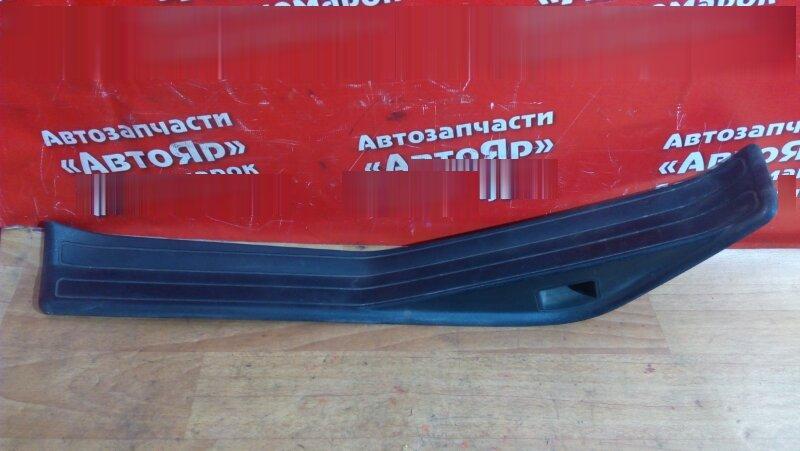 Накладка пластиковая в салон Bmw 318I E46 задняя левая на порог, под дверь