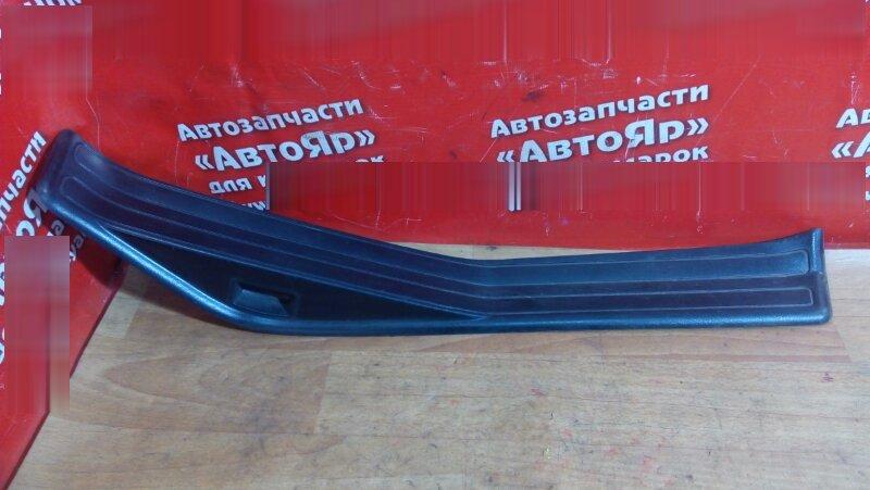 Накладка пластиковая в салон Bmw 318I E46 задняя правая на порог, под дверь