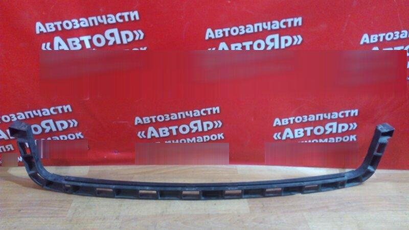 Кронштейн бампера Volkswagen Touran AXW задний средний, 1T0807863