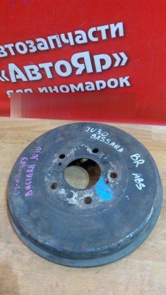 Тормозной барабан Nissan Bassara JU30 KA24DE задний правый