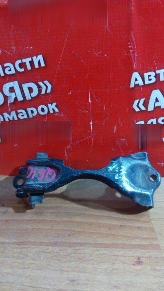 Крепление аккумулятора Nissan Bluebird Sylphy QG10 QG18DE