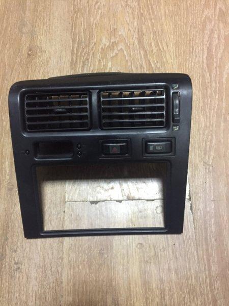 Рамка магнитофона Toyota Corona ST190 4S-FE 1994