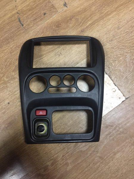 Рамка магнитофона Daihatsu Yrv M201G K3-VE 2003