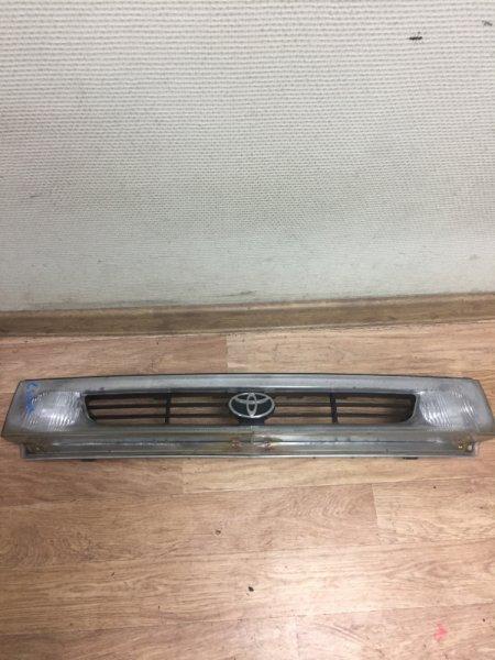 Решетка радиатора Toyota Estima Emina CXR20G 3C-TE 1993 с туманками
