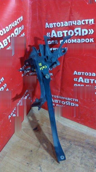 Рамка радиатора Toyota Caldina ST210G 3S-FE 1999 средняя планка с замком