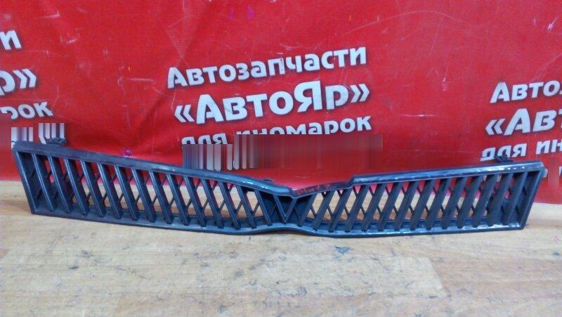Решетка радиатора Toyota Platz NCP12 1NZ-FE дефект крепления