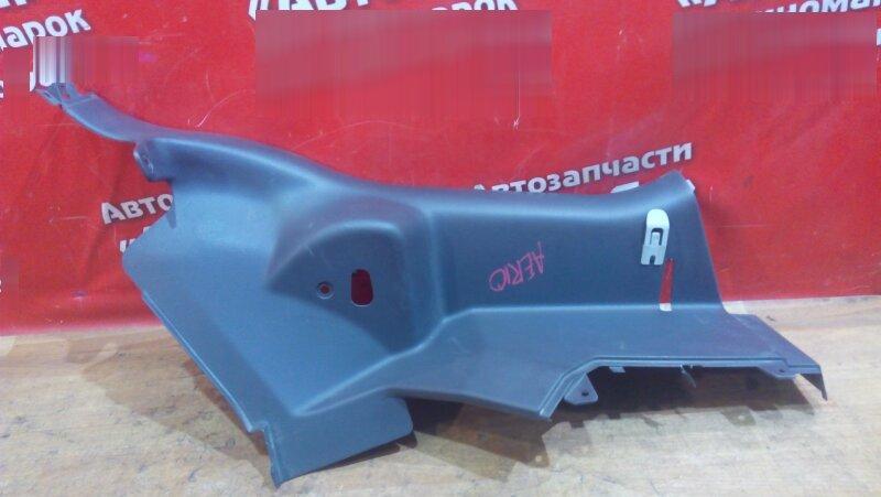 Накладка пластиковая в салон Suzuki Aerio RB21S задняя правая на заднюю стойку, низ
