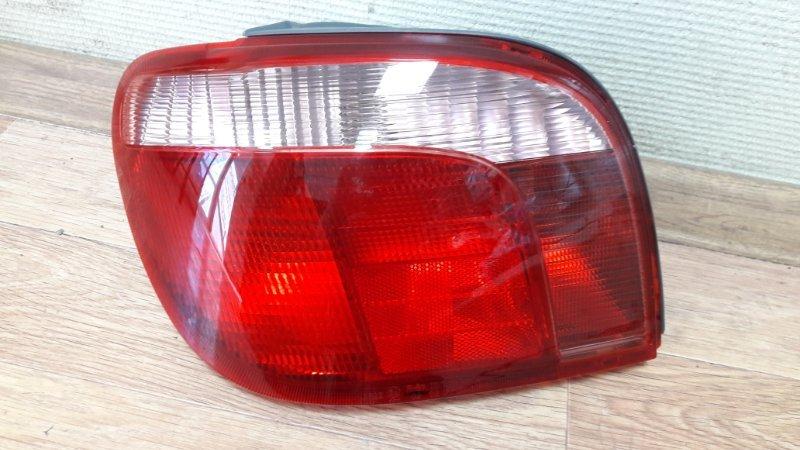 Стоп-сигнал Toyota Yaris 99 задний левый