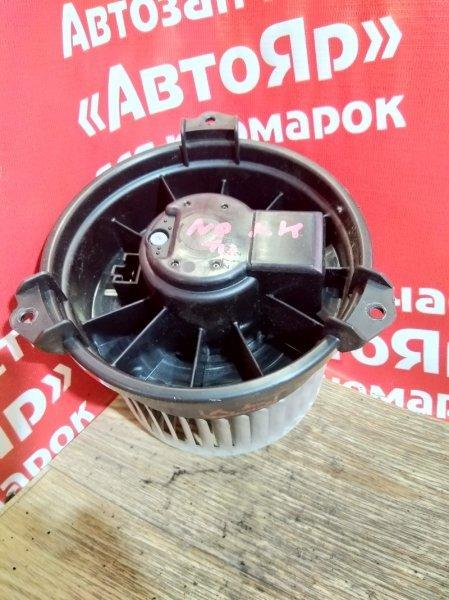 Вентилятор (мотор отопителя) Toyota Noah ZRR75W 3ZR-FAE 2007.09 272700-0560