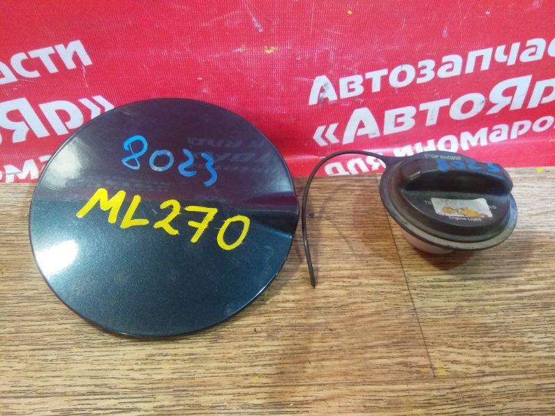 Лючок топливного бака Mercedes Ml270 W163 OM612.963 2000 с крышкой, черный