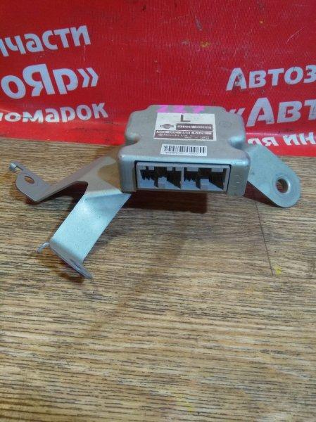 Блок переключения кпп Nissan Tiida C11 HR15DE 31036-ED300