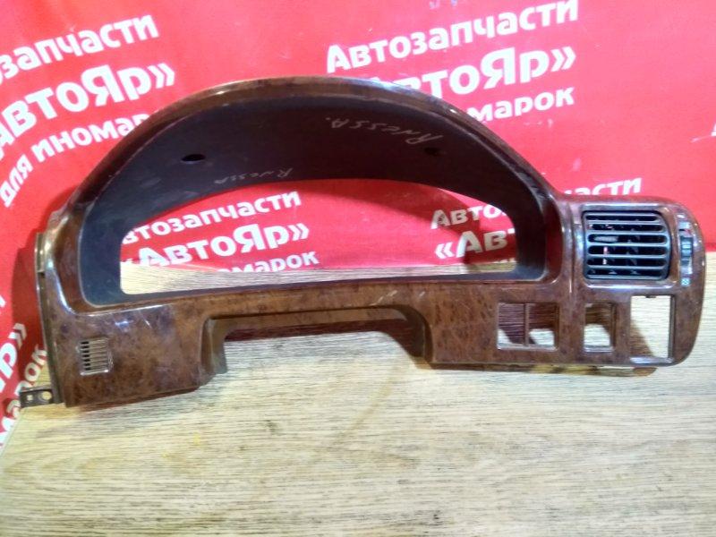 Козырек панели приборов Nissan Rnessa N30 SR20DE 88240-5V-10
