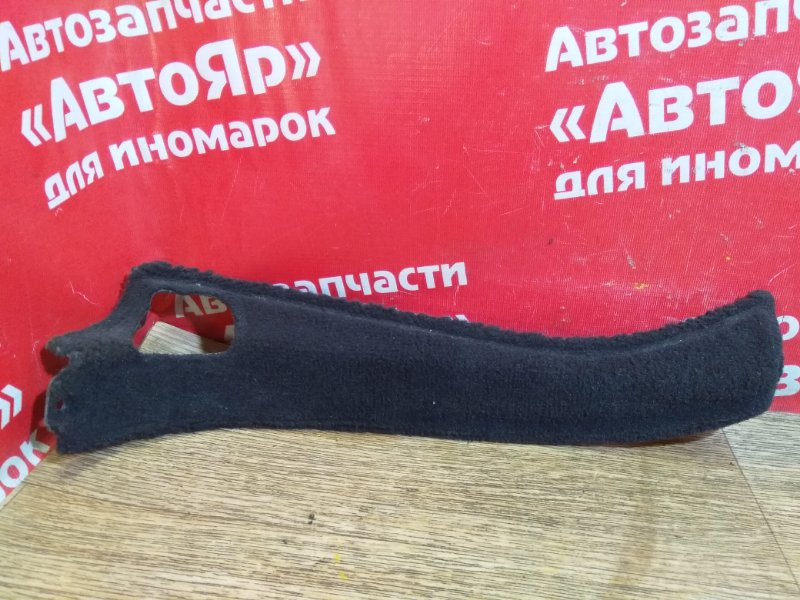 Накладка пластиковая в салон Mercedes C200 W203 111.955 правая A2036901040. на заднюю стойку
