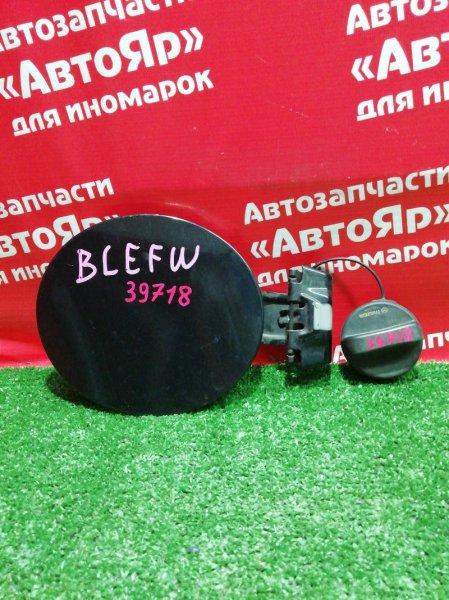 Лючок топливного бака Mazda Axela BLEFW LF-VDS 2010 с крышкой