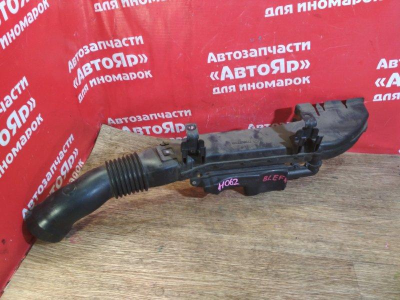 Воздухозаборник Mazda Axela BLEFW LF-VDS 2010 пластик