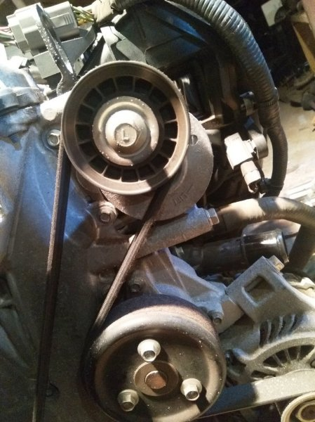 Ролик натяжной Mazda Axela BLEFW LF-VDS 2010 с натяжителем