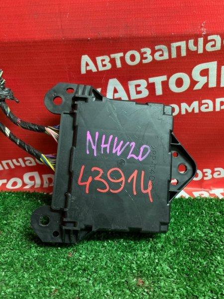 Блок управления кондиционером Toyota Prius NHW20 1NZ-FXE 11.2005 88650-47051