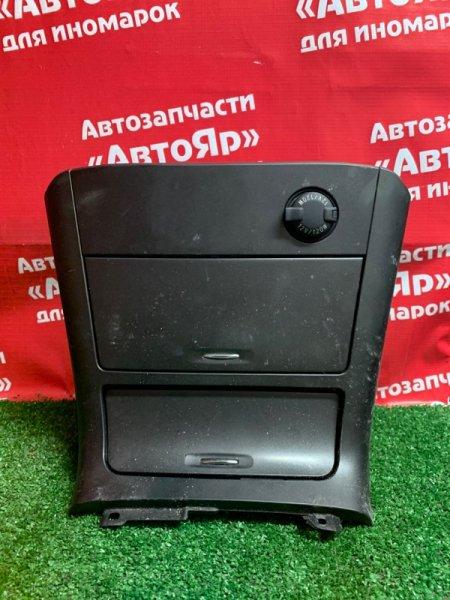 Рамка магнитофона Toyota Camry ACV30 2AZ-FE 10.2004 58831-33080 центр. с комплектации тоуринг