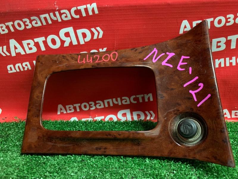 Накладка пластиковая в салон Toyota Corolla NZE121 1NZ-FE 11.2000 58821-12100 под АКПП