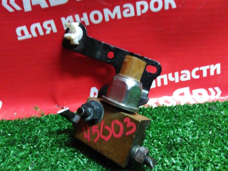 Датчик Nissan Serena C26 MR20DD 08.2011 47240-JG01A Давления тормозной жидкости