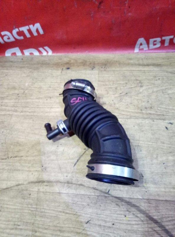 Патрубок воздушн.фильтра Nissan Tiida Latio SC11 HR15DE 05.2009 Гофра.