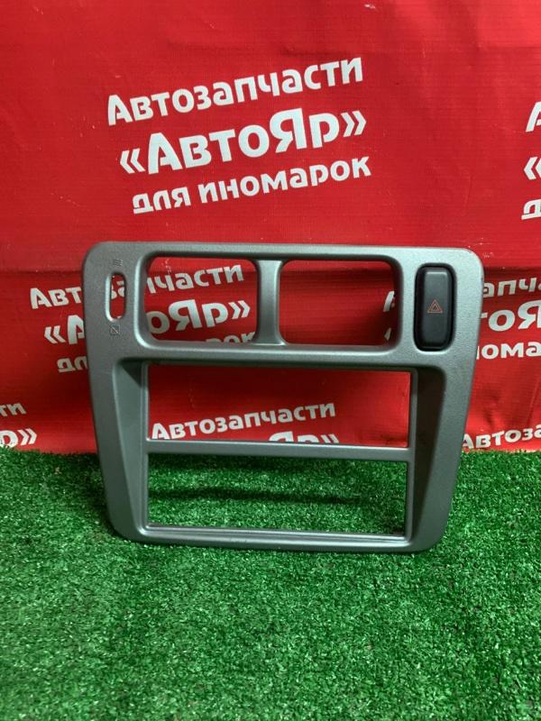 Рамка магнитофона Mitsubishi Pajero Io H77W 4G94 04.2001 XR330042