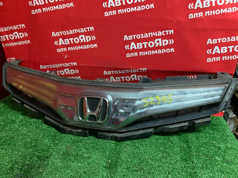 Решетка радиатора Honda Fit Shuttle GP2 LDA 2011