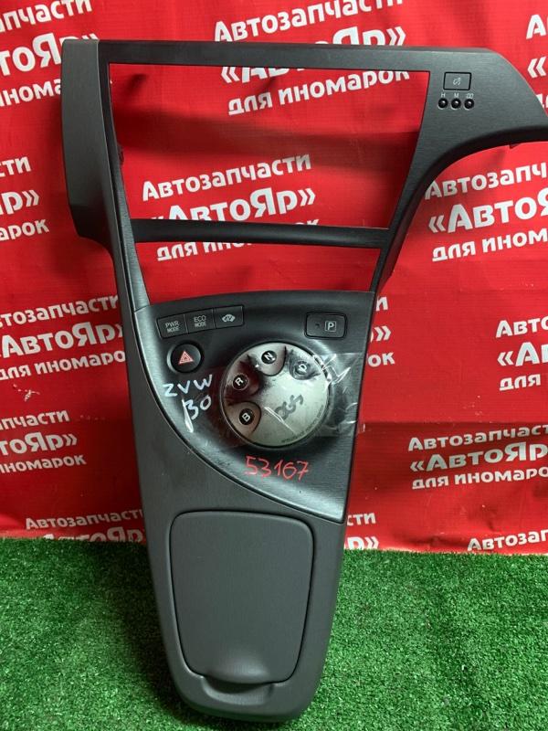 Рамка магнитофона Toyota Prius ZVW30 2ZR-FXE 04.2009 +консоль кпп