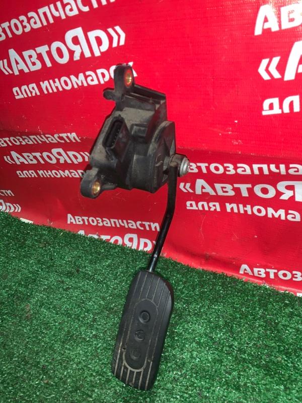 Педаль газа Nissan Nv200 VM20 HR16DE 04.2012