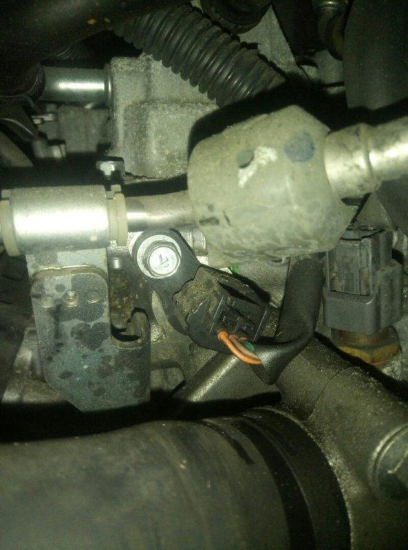 Датчик положения распредвала Nissan Nv200 VM20 HR16DE 04.2012 23731-ED02A