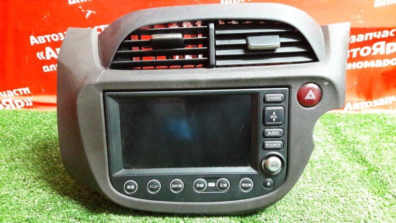 Магнитола Honda Fit Shuttle GP2 LDA 2011 39540-TF9-J02 nh167l. + рамка магнитолы (дефект небольшой)