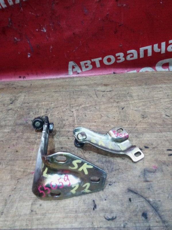 Петля дверная Mazda Bongo SK22M R2 08.2002 задняя левая комплект 2шт