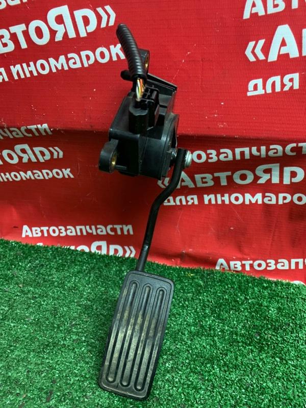Педаль газа Nissan Qashqai KNJ10 MR20DE 03.2008 18002JG00A