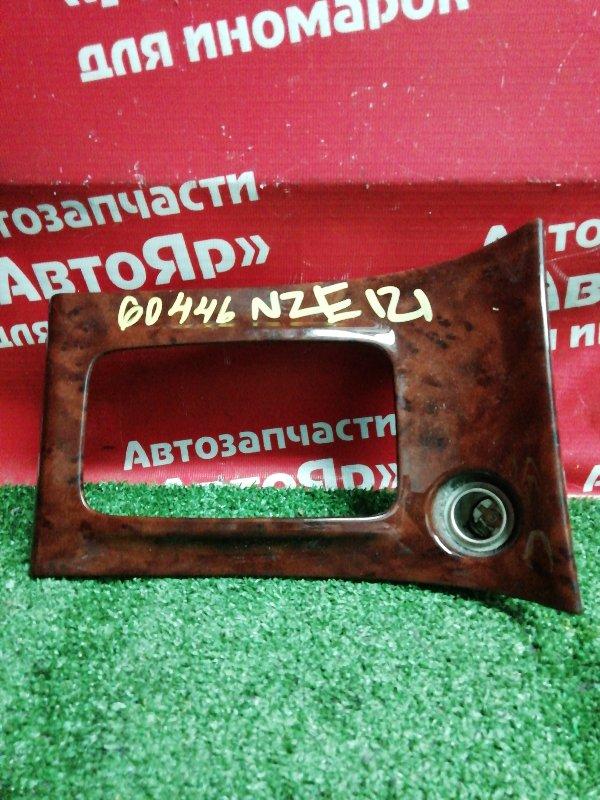 Накладка пластиковая в салон Toyota Corolla NZE121 1NZ-FE 08.2001 58821-12100, консоль КПП.