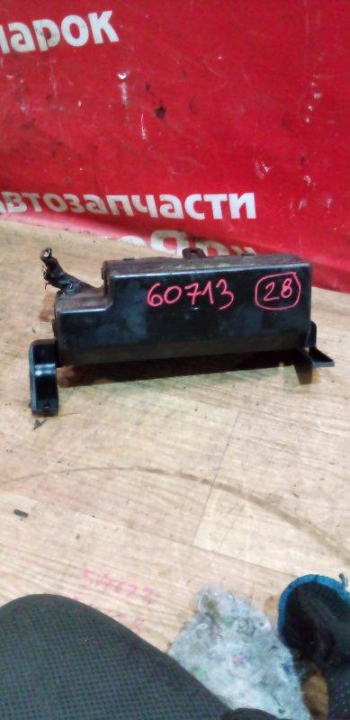 Блок предохранителей Mitsubishi Dingo CQ2A 4G15 02.1999