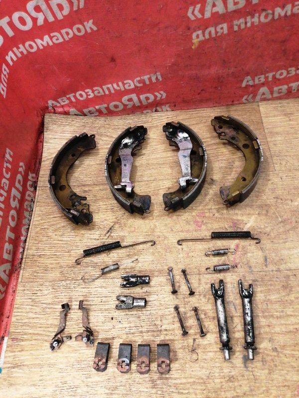 Тормозные колодки Honda Fit Shuttle GP2 LDA 2011 заднее Стояночного тормоза с механизмом,