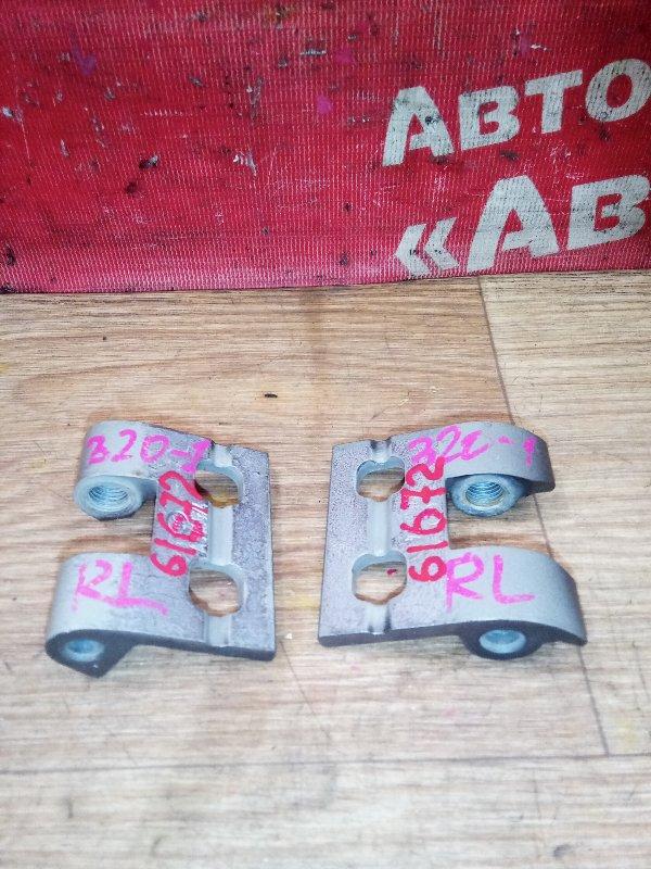 Петля дверная Bmw 320I E90 N46B20B 09.2008 задняя левая комплект 2шт
