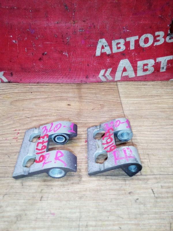Петля дверная Bmw 320I E90 N46B20B 09.2008 задняя правая комплект 2шт