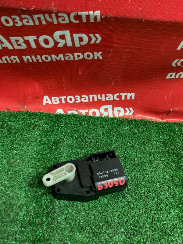 Привод заслонок отопителя Mitsubishi Delica SK22MM R2 2001 502752-2890
