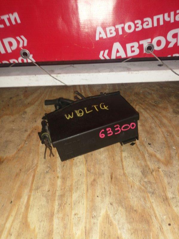Блок предохранителей Subaru Traviq XM220 Z22 2002 маленький, дефект корпуса