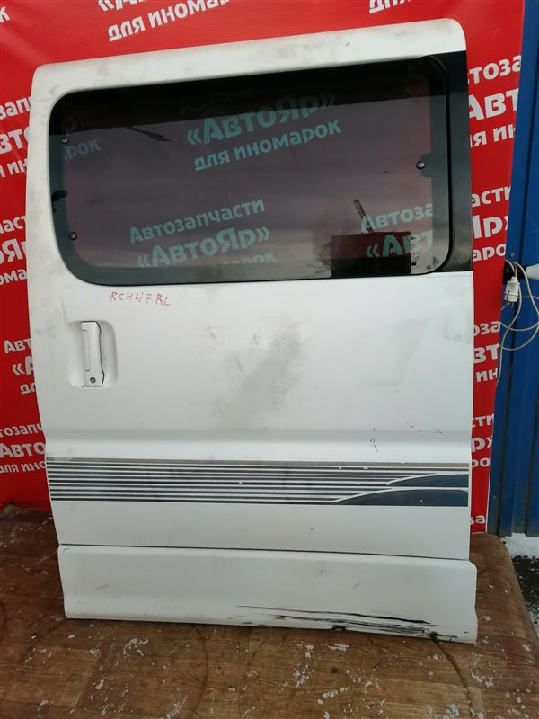 Дверь боковая Toyota Regius RCH47W 3RZ-FE задняя левая в сборе. дефект на фото