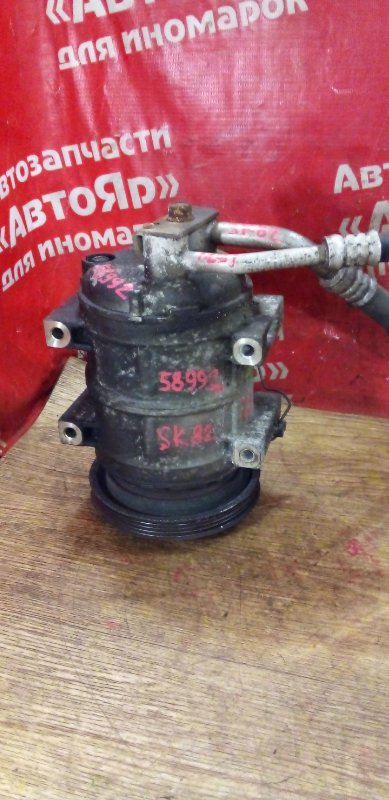Компрессор кондиционера Nissan Vanette SK82MN F8 11.2000 090B985700