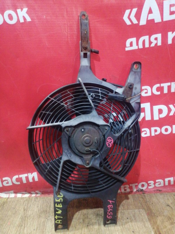 Диффузор радиатора Nissan Elgrand ATWE50 ZD30DDTI 09.2001