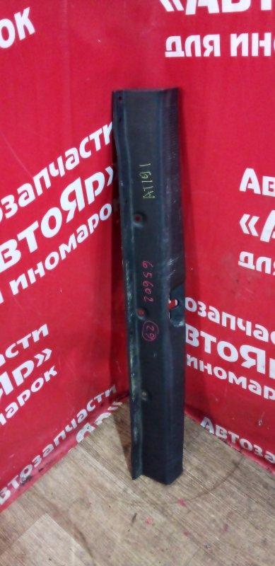 Накладка багажника Toyota Caldina AT191G 7A-FE 07.1996 потертость ,58573-21030