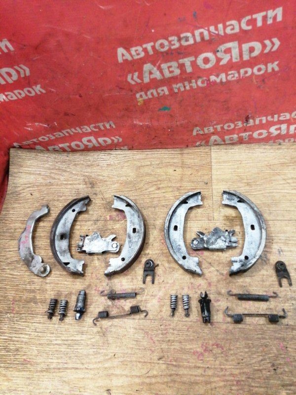 Тормозные колодки Bmw 320I E90 N46B20B 08.2007 заднее Стояночного тормоза с механизмом