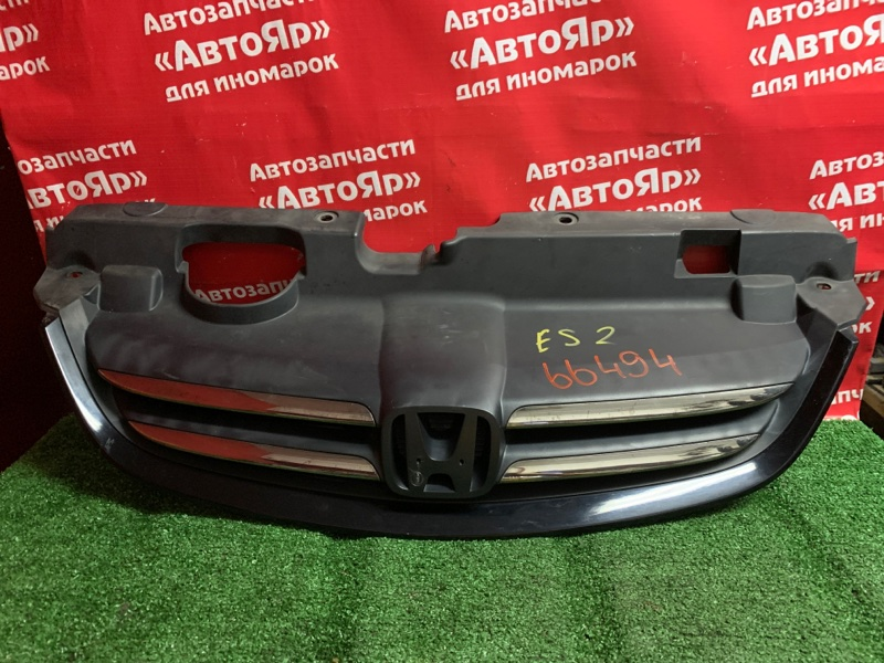 Решетка радиатора Honda Civic Ferio ES2 D15B 2003 Рестайлинг, царапины, нет значка.