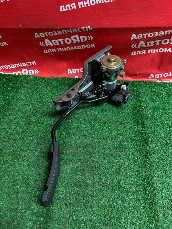 Педаль газа Nissan Terrano Regulus JTR50 ZD30DDTI 10.1999 с датчиком. дефект фишки.