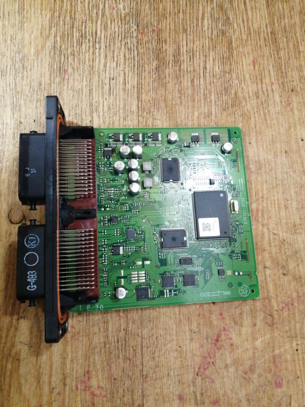 Блок управления efi Mazda Demio DE3FS ZJ-VE 09.2007 279721-3730 в сборе с корпусом возд. фильтра.